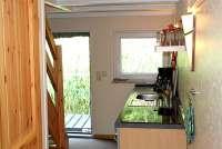 Bootshaus II in Basedow Eingang und Küchenzeile