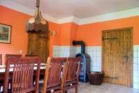 ferienwohnung familie witt in ulrichshusen küche mit kamin